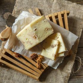 Сыр Качотта с грецким орехом