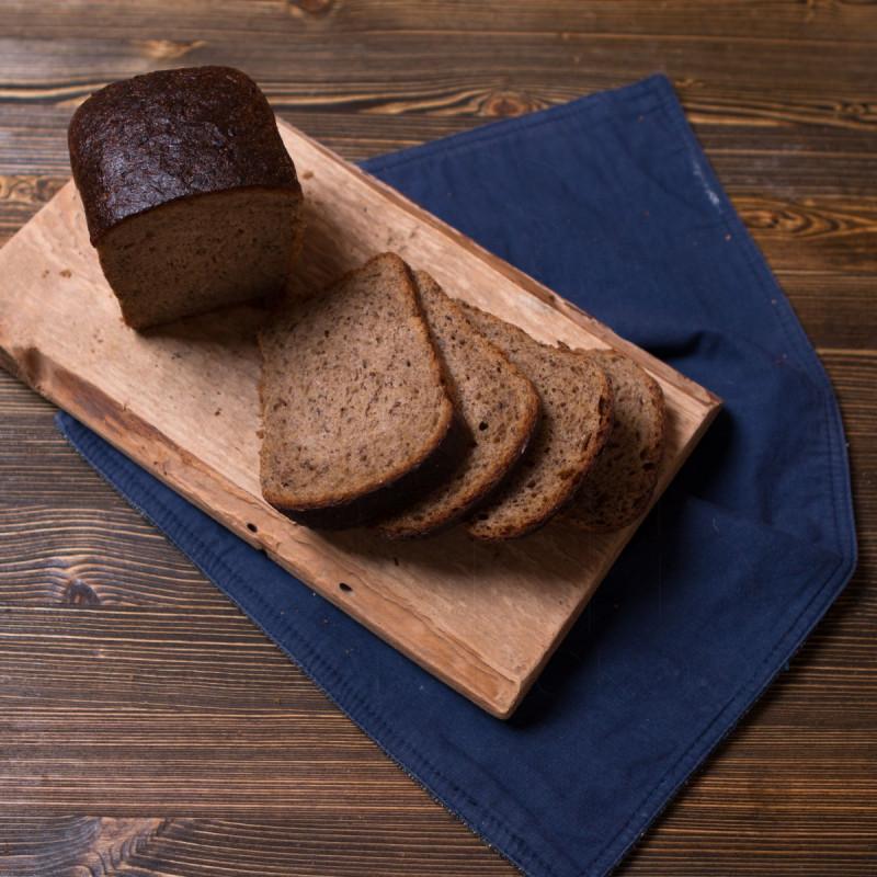 Хлеб Бездрожжевой с семенами льнаБездрожжевой хлеб — настоящее здоровое питание, он полезен тем, что лучше усваивается и облегчает процесс пищеварения, в него ходит больше полезных веществ, чем в обычном хлебе, благодаря тому, что часть сахаров и других веществ не расходуется на питание самих дрожжей.<br><br>Вес г.: 360