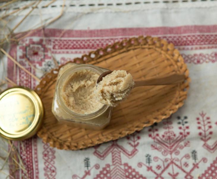 Урбеч кунжутный с мёдом