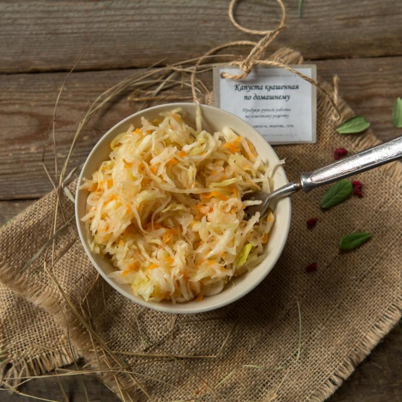 Капуста квашенаяКапуста квашеная с морковкой в собственном соку по семейному рецепту.<br><br>Вес г.: 650