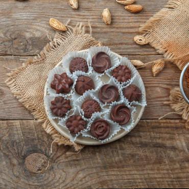 Шоколад фруктовый в конфетах, ассорти Ореховое