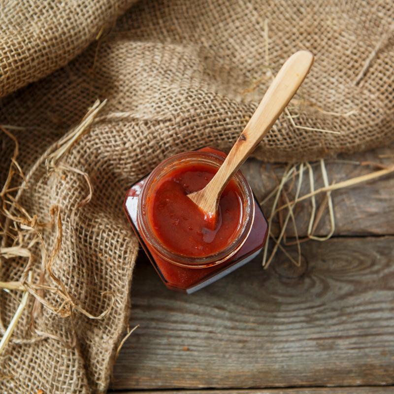 Соус Ткемали со смородинойНеобычный, очень деликатный вариант соуса Ткемали.<br>Прекрасно подходит для блюд из мяса и птицы.<br><br>Вес мл.: 250