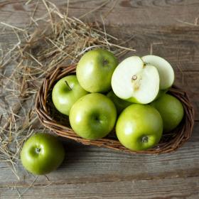 Яблоки зеленые