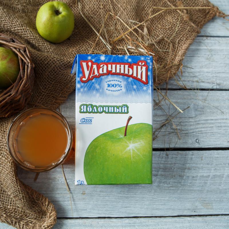 Сок яблочныйСок яблочный Удачный прямого отжима, вырабатывается из яблок лучших сортов, выращенных в садах Павла Грудинина<br><br>Вес литр: 1
