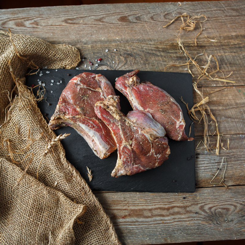 Край с рёбрышком в маринадеНежные маринованные стейки из молодой говядины<br><br>Вес кг.: 1