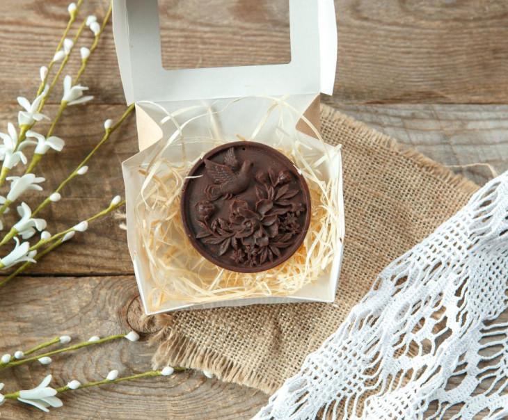 """Шоколад фруктовый с черносливом """"Голубь мира"""""""