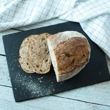 Хлеб цельнозерновой с семенами льна