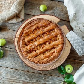 Пирог полбяной с яблоком