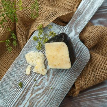 Сыр Пиренейский с кориандром из козьего молока