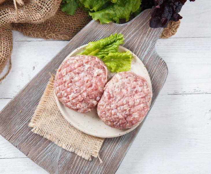 Бифштекс из говядины и свинины