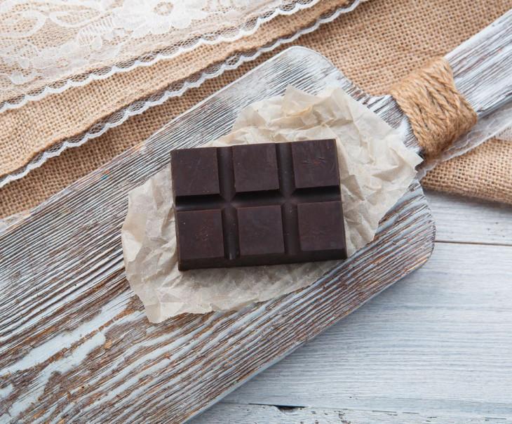 Шоколад фруктовый со смородиной
