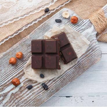 Шоколад фруктовый с изюмом и фундуком
