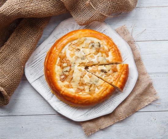 """Пирог творожный с грушей и сыром """"Дор-блю"""""""