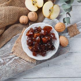 Варенье из яблок с грецким орехом