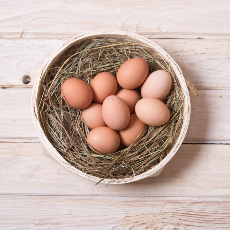 Яйца куриные от Олега РячкинаКуриные яйца – единственный продукт, который усваивается организмом на 97-98%, практически не оставляя шлаков в кишечнике.<br>Яйца очень богаты белками, необходимыми для развития и правильного функционирования организма.<br><br>Куриное яйцо – очень распространенный продукт в жизни человека. Прекрасный продукт, с которого можно и нужно начинать день!<br><br>Вес шт: 10