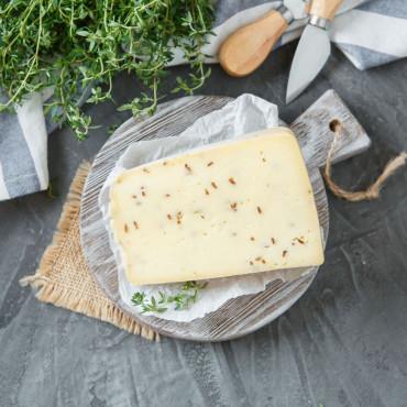 """Сыр """"Велий"""" с тмином"""