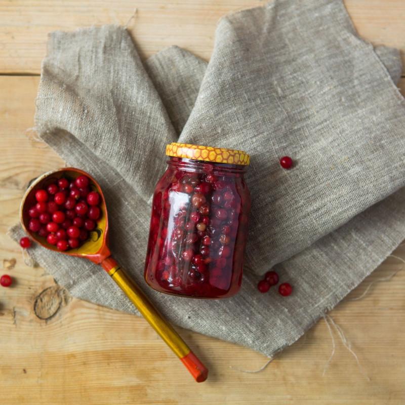 Брусника лесная в медуЧудесное лекарственное лакомство  - смесь меда и лесных ягод.<br><br>Вес мл ( 350 г ): 250