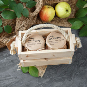 Ящичек с вареньем деревянный