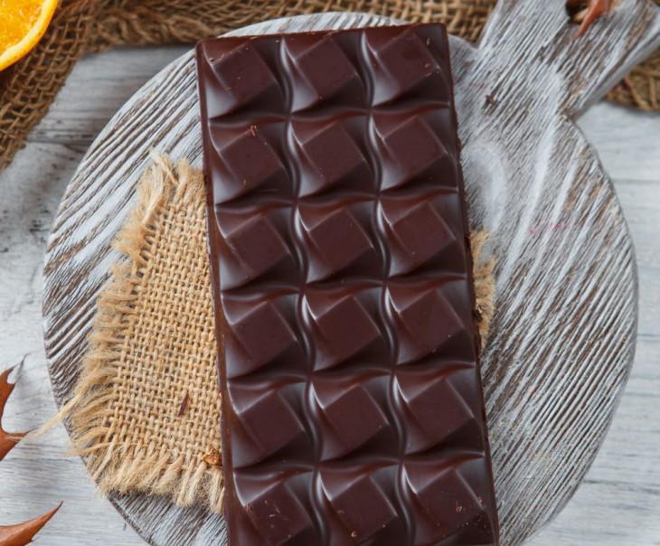 Шоколад ремесленный горький 70% с апельсином