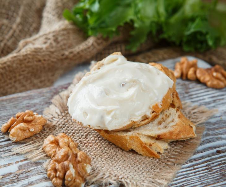Сыр плавленый с грецким орехом