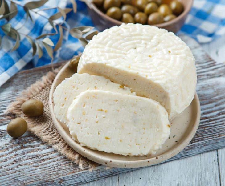 """Сыр рассольный """"С оливками"""" свежий"""