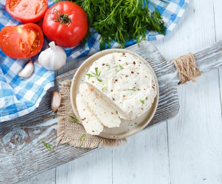 """Сыр рассольный """"С помидорами, укропом и чесноком"""" свежий"""