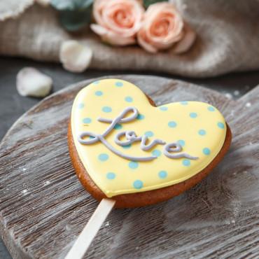 Пряник сердце LOVE жёлтый