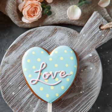 Пряник сердце LOVE голубой