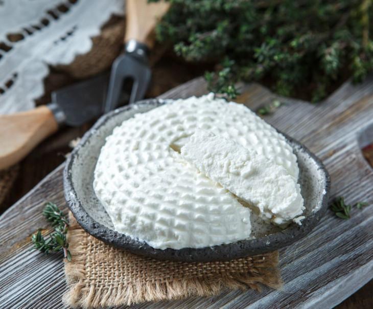 """Творожный сыр """"Пикантный"""" из козьего молока"""