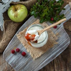 Творожный сыр Брусника с яблоком из козьего молока