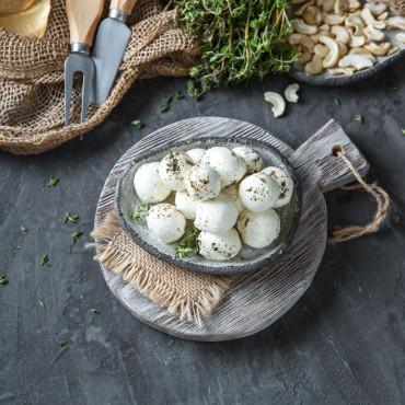 Сыр Шевр в оливковом масле