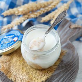 Йогурт 2,8-5,5% из козьего молока со злаками