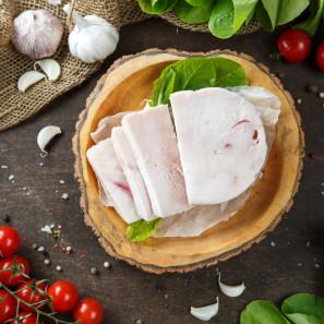 Рулет запеченный из мяса курицы