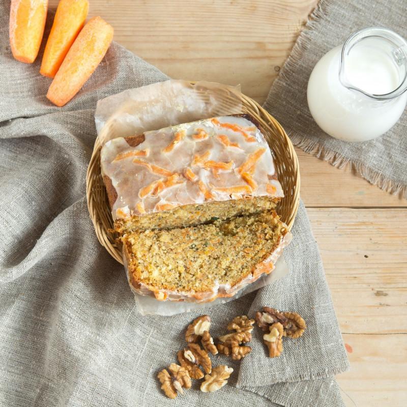 Пирог МорковныйНежный, сочный морковный пирог никого не оставит равнодушным!  Пирог готовится вручную из натуральных ингредиентов, без красителей и искусственных ароматизаторов и каких-либо иных химических добавок.<br><br>Вес г.: 300