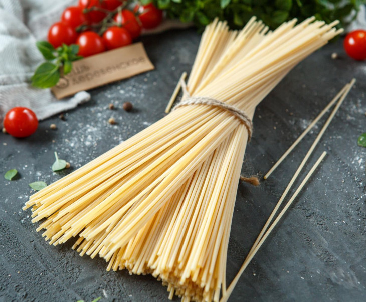 Макаронные изделия Спагетти из твердых сортов пшеницы