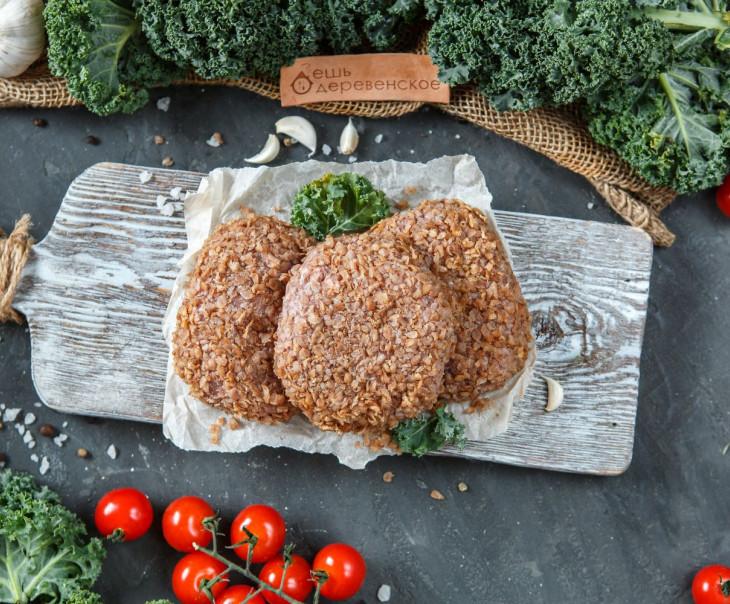 Шницель рубленый из молодой говядины в гречневой панировке
