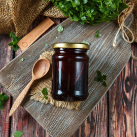 Черноплодная рябина, перетертая с медом