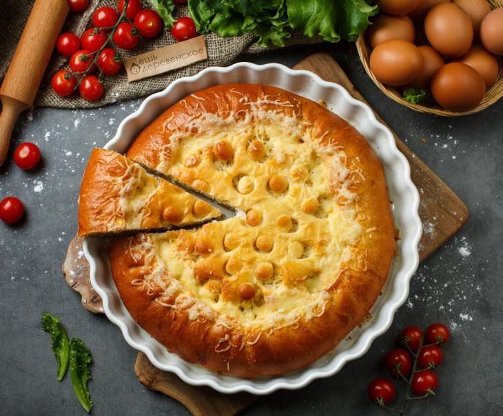 Пирог с рисом, яйцом и отварной говядиной