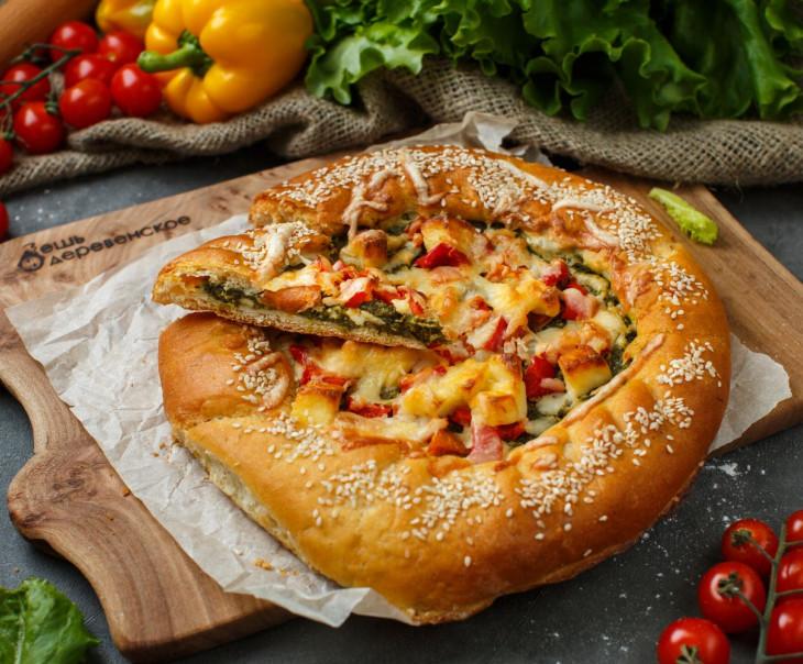 Пирог с адыгейским сыром, шпинатом, болгарским перцем и помидорами