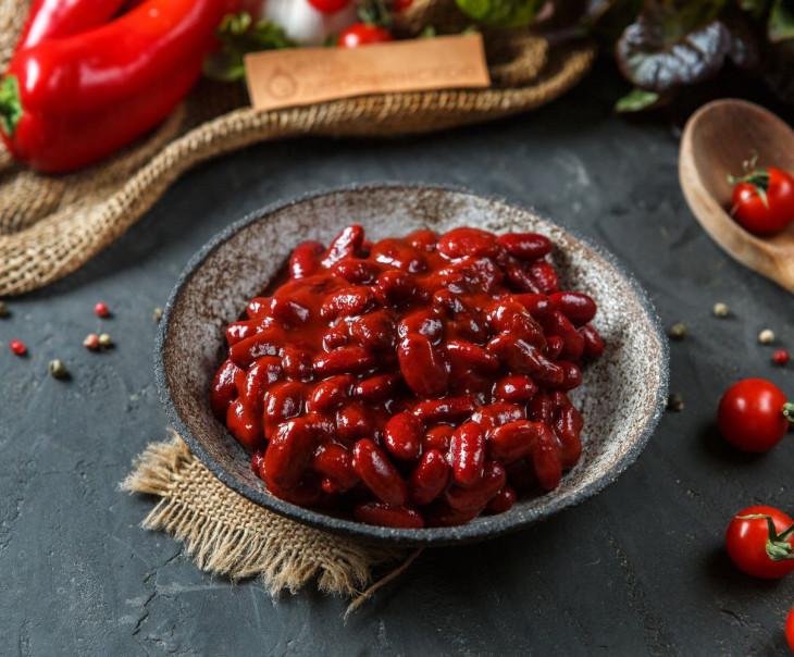 Фасоль красная консервированная в соусе чили