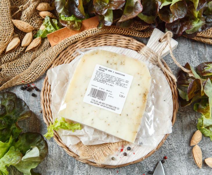 Сыр «Монтерей джек» с кампотским перцем