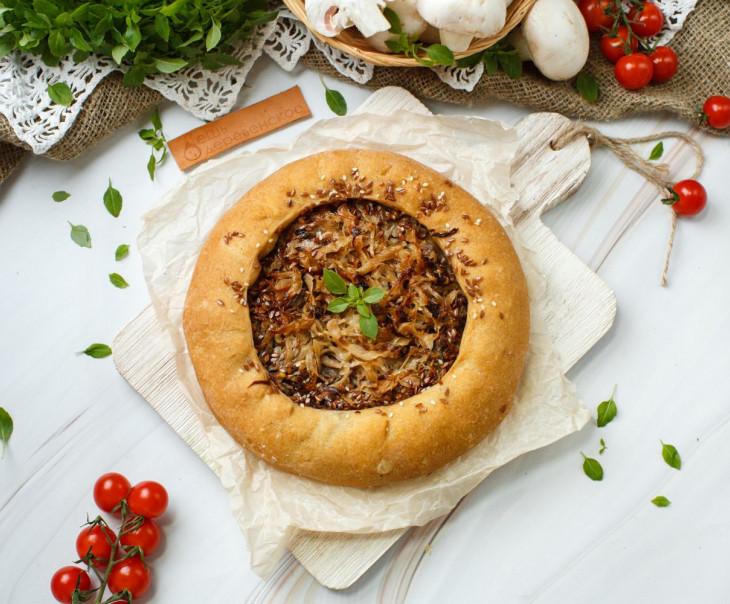 Пирог веганский из ц/з муки с капустой и грибами