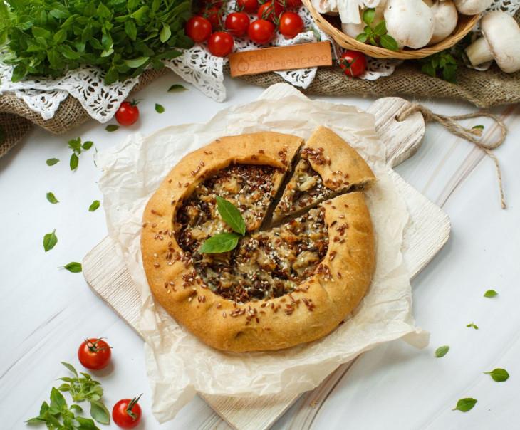 Пирог веганский из ц/з муки с картофелем и грибами
