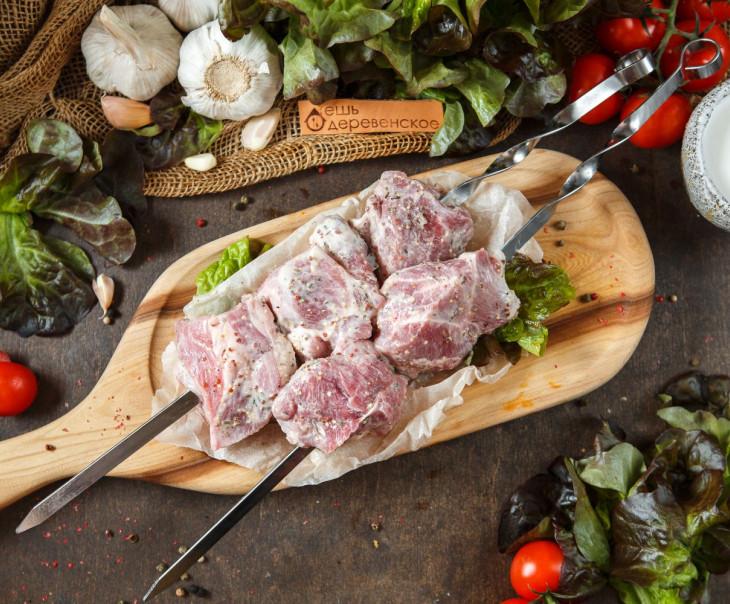 Шашлык из свиной шейки в кефирном маринаде с прованскими травами