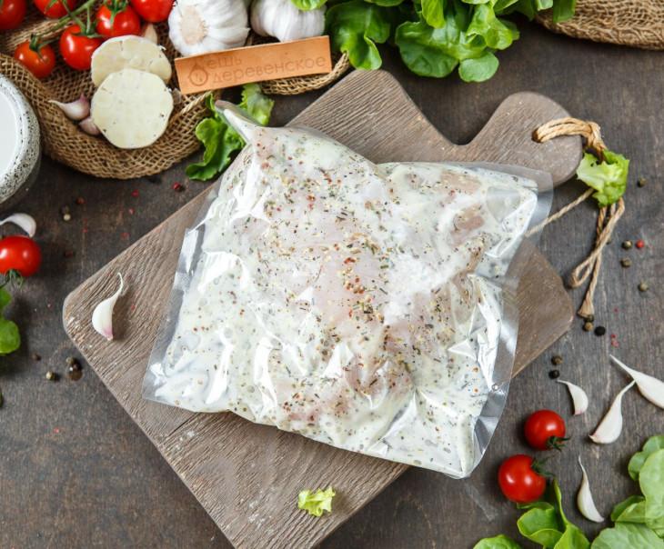 Филе грудки куриное в кефирном маринаде в прованских травах и кефире.