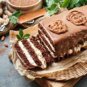 Торт Шоколадно-карамельный с арахисом