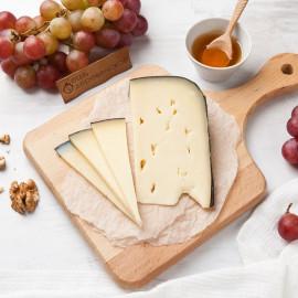 Сыр Амстеллер выдержанный