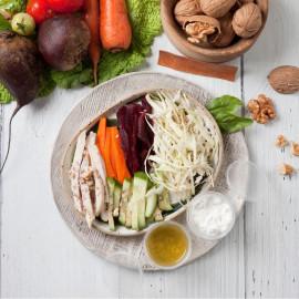 Салат творожный с орехами
