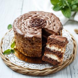 Торт Шоколадно-карамельный с арахисом (маленький)