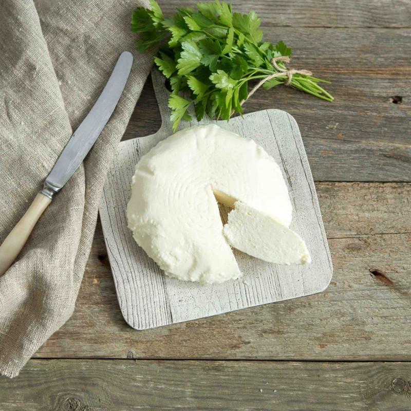 Сыр Адыгейский от Александра БоковаБелоснежный пресный адыгейский сыр от ЕшД — это идеальный продукт, с которого Вы с пользой начнете день.<br><br>Вкус адыгейского сыра такой сливочный: просто не получится удержаться, чтобы не попробовать.<br><br>Вес г.: 370
